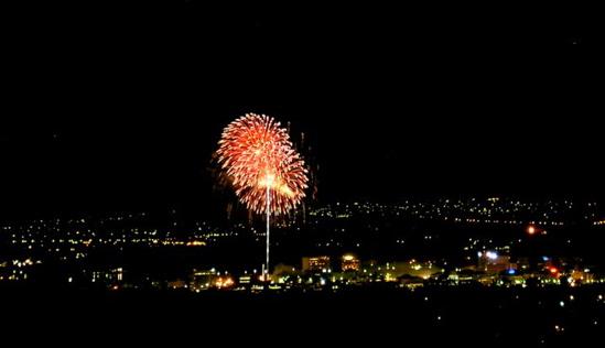 Canberra NY Fireworks 2006 from Mt Majura