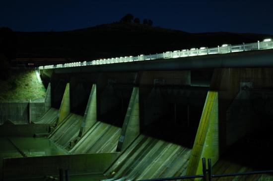 Scrivener Dam at night