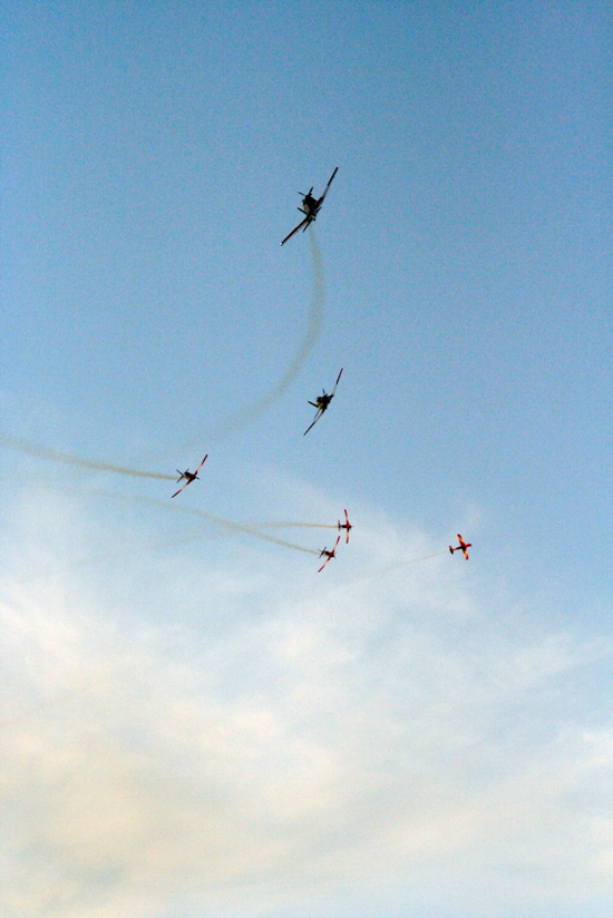 RAAF Roulettes over Skyfire 18